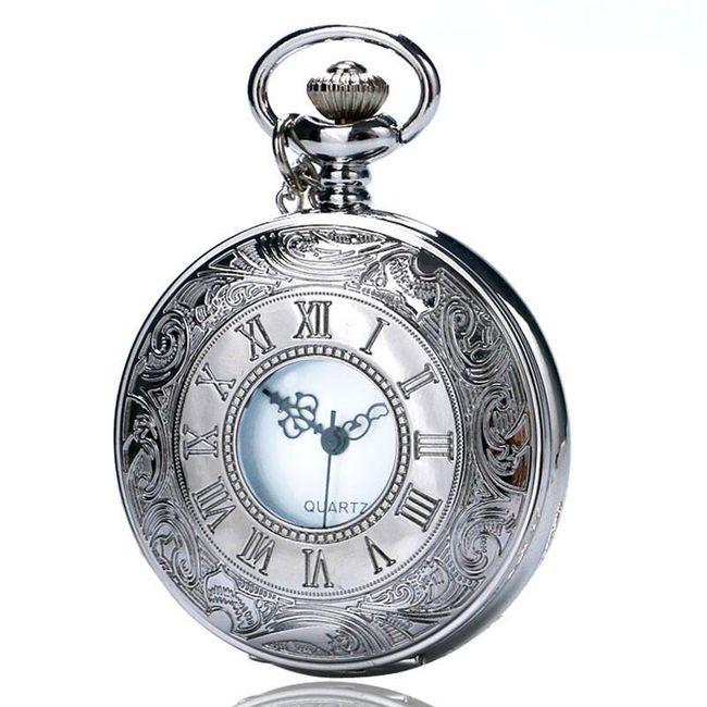 Kapesní hodinky ve stříbrné barvě s římskými čísly 1