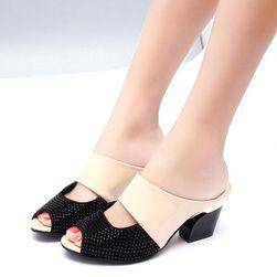 Dámské pantofle na podpatku Emera