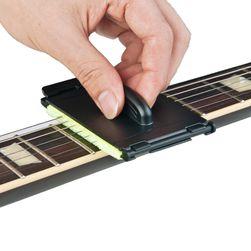 Чистачка за китарнии струни
