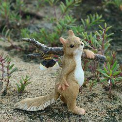 Dekorativna veverica za vrt Squirrel