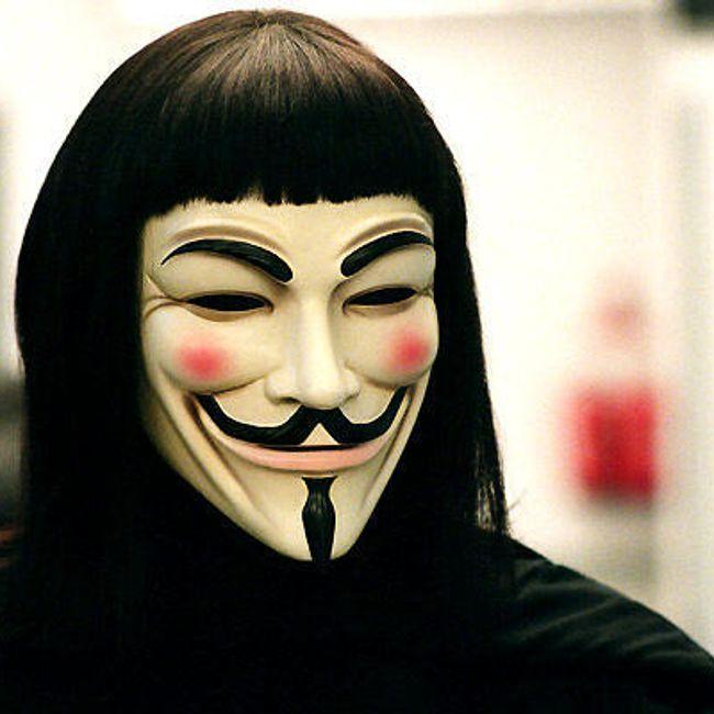 Karnevalová maska inspirovaná filmovou adaptací komiksu V jako Vendetta 1
