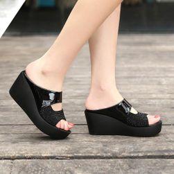 Ženske papuče na platformu Alla
