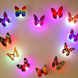 Világító pillangó - dekoráció a falra