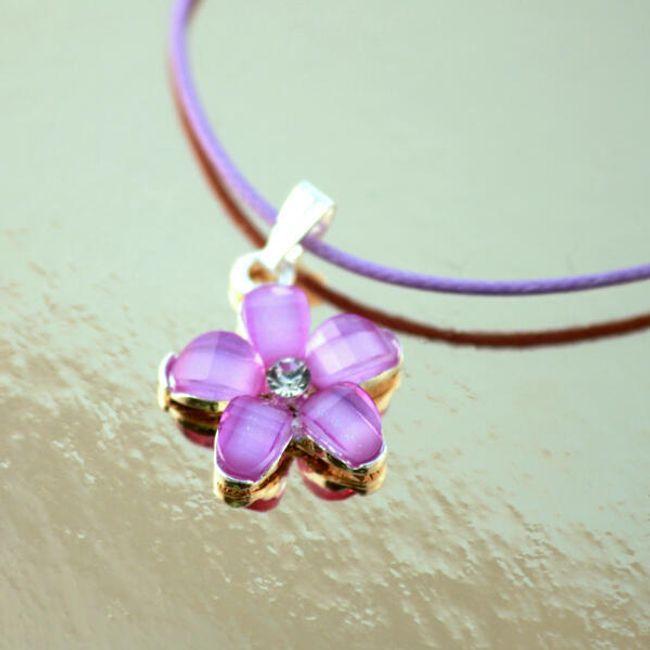 Ogrlica sa cvetom 1