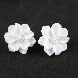 Minđuše u obliku prolećnog cveća