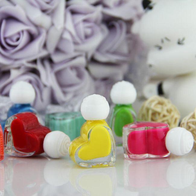 Лак за нокти в дизайн на сърце 1