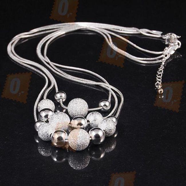 Elegantní náhrdelník - třpytivé kuličky 1