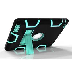Obal na iPad s integrovaným stojánkem
