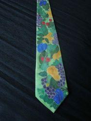 Hedvábná ručně malovaná kravata Sklizeň