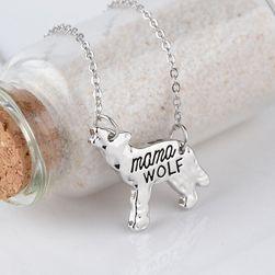 Lančić sa priveskom u obliku vuka - mama wolf