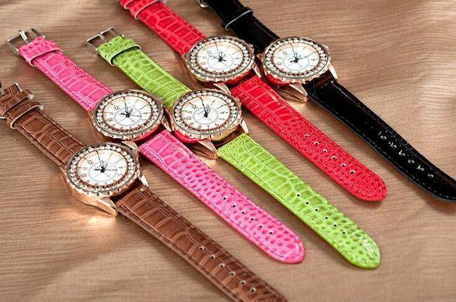 Dámské hodinky s analogovým ciferníkem zdobené kamínky - pásek v 8 barvách 1