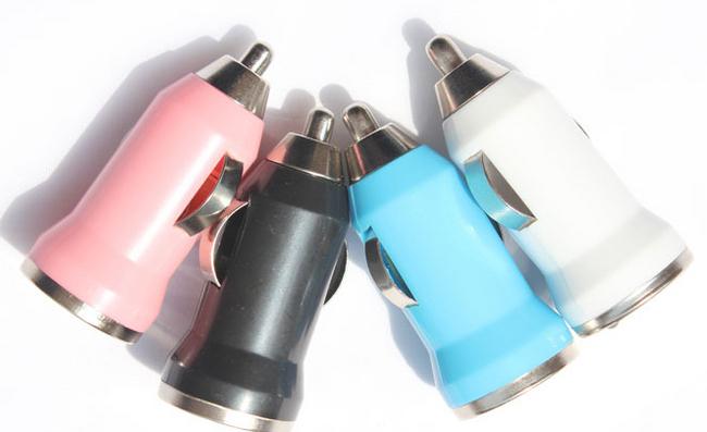 2 az 1-ben színes autós töltő + iPhone / iPod / iPad kábel 1