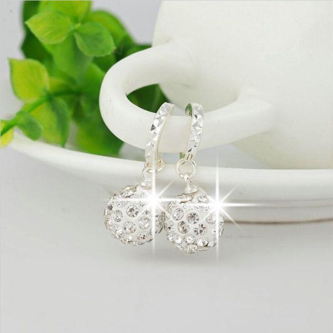 Kulaté náušnice s krystalky - bílá 1