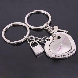 Par obeskov za ključe za zaljubljene