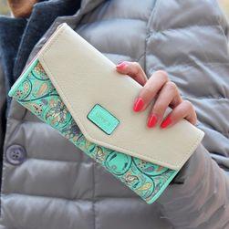 Damski portfel zdobiony  kwiatkami