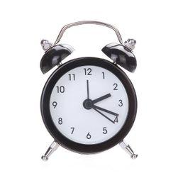 Монохромный ретро-будильник