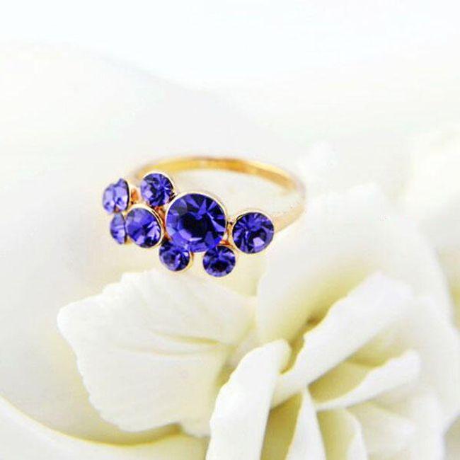 Prsten s fialovými kamínky 1