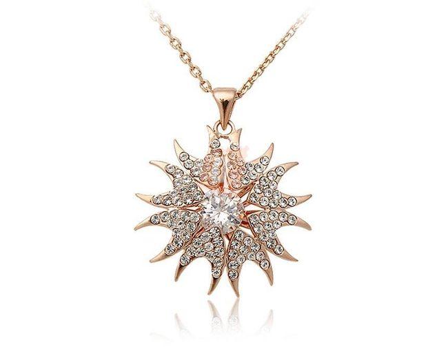 Náhrdelník s hvězdičkou s kamínky - zlatá barva 1