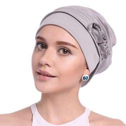 Женская шапка в элегантном стиле