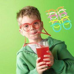 Szívószál szemüveg formában gyerekeknek