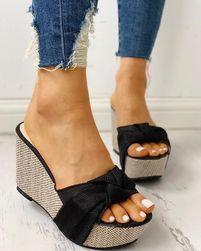 Женские сандалии на платформе Tasoula