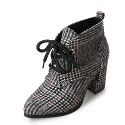 Téli magas sarkú cipő