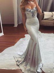Бальное платье с блестящими аппликациями - 4 размера