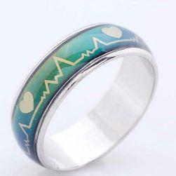 Prsten koji menja boju sa pulsom