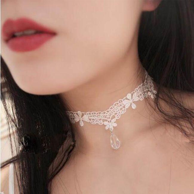 Krajkový náhrdelník s kamínkem - 2 barvy 1