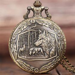 Карманные винтажные часы с изображением волчьей стаи