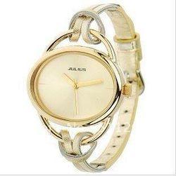 Dámské hodinky s originálním páskem - zlatá barva