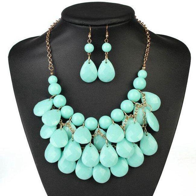 Set bogato okrašenega nakita v različnih barvah 1
