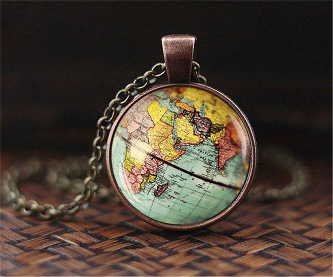 Stylový vintage náhrdelník - mapa světa 1