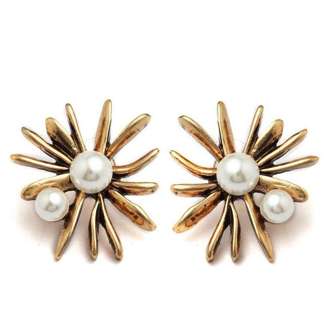 Náušnice ve vintage stylu s umělými perlami  1