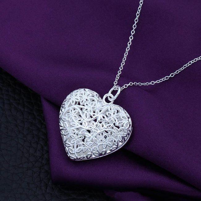 Ogrlica z obeskom velikega srca v srebrni barvi 1