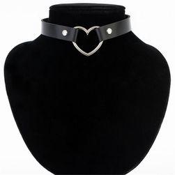 Choker ogrlica sa srcem - 7 varijanti