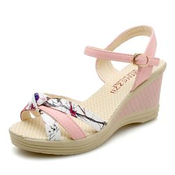 Ženske sandale na platformu Ommy