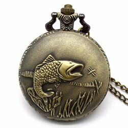 Винтидж джобен часовник с рибарски мотив
