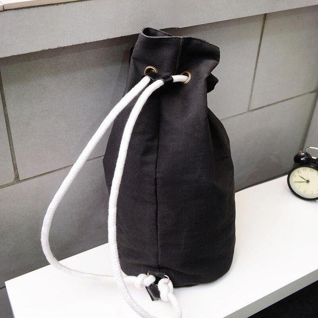 Zsinórral ellátott hátizsák táska formájában