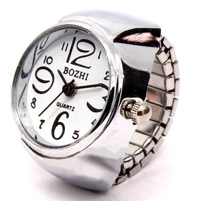 Prstýnkové hodinky s mohutným ciferníkem 1