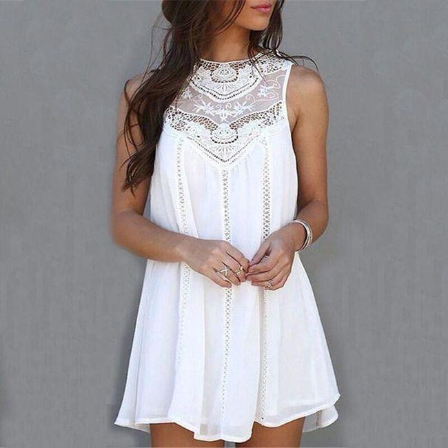 Воздушное летнее платье с гипюровым декольте  1
