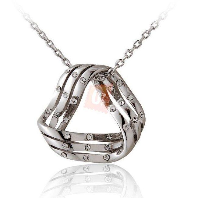 Náhrdelník s kamínky zdobeným přívěškem - stříbrná barva 1