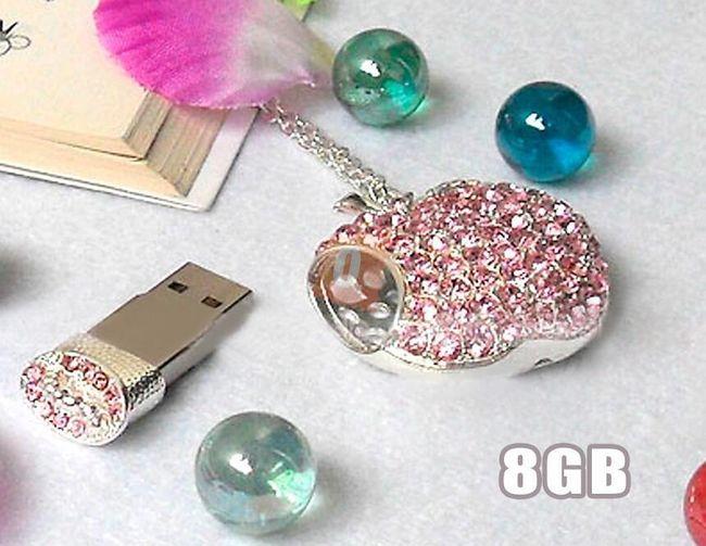 8GB Flashdisk - přívěsek jablko (růžový) 1