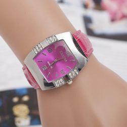 Элегантные наручные часы со стразами