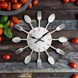 Kuchyňské nástěnné hodiny s příbory v módním stylu - různé barvy