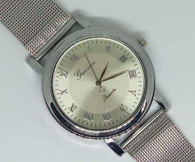 Красив дамски часовник в сребро 1