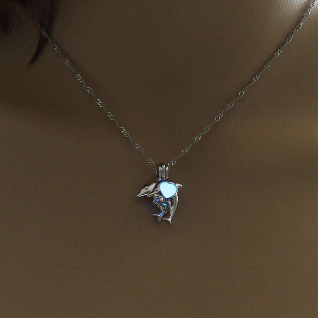 Ogrlica sa delfinima koji svetle u mraku 1