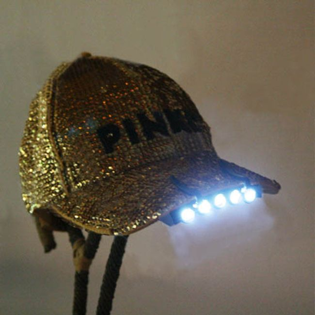 LED latarka na czapkę 1