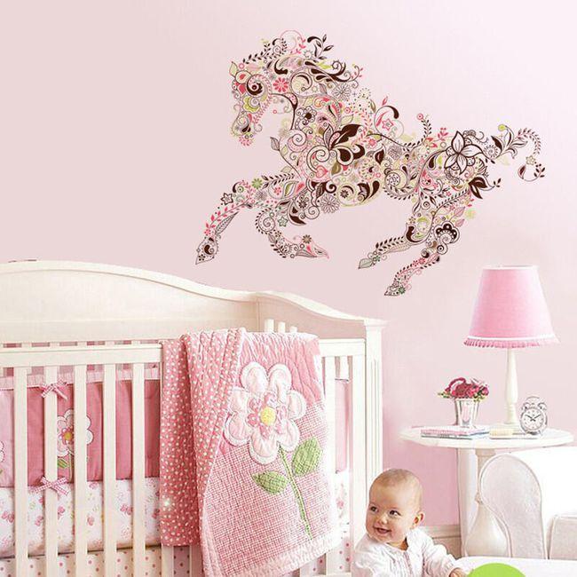 Samolepka na zeď ve tvaru květinového koně 1
