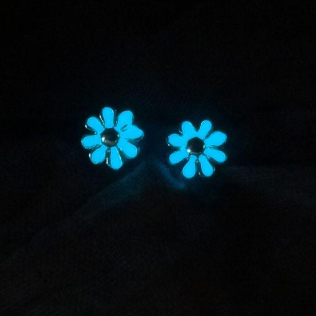 Virág alakú fülbevaló - világít a sötétben 1